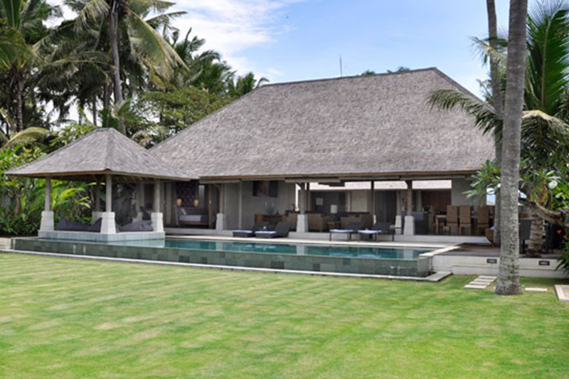 Beachfront Gem with Glorious Appeal in Ginayar