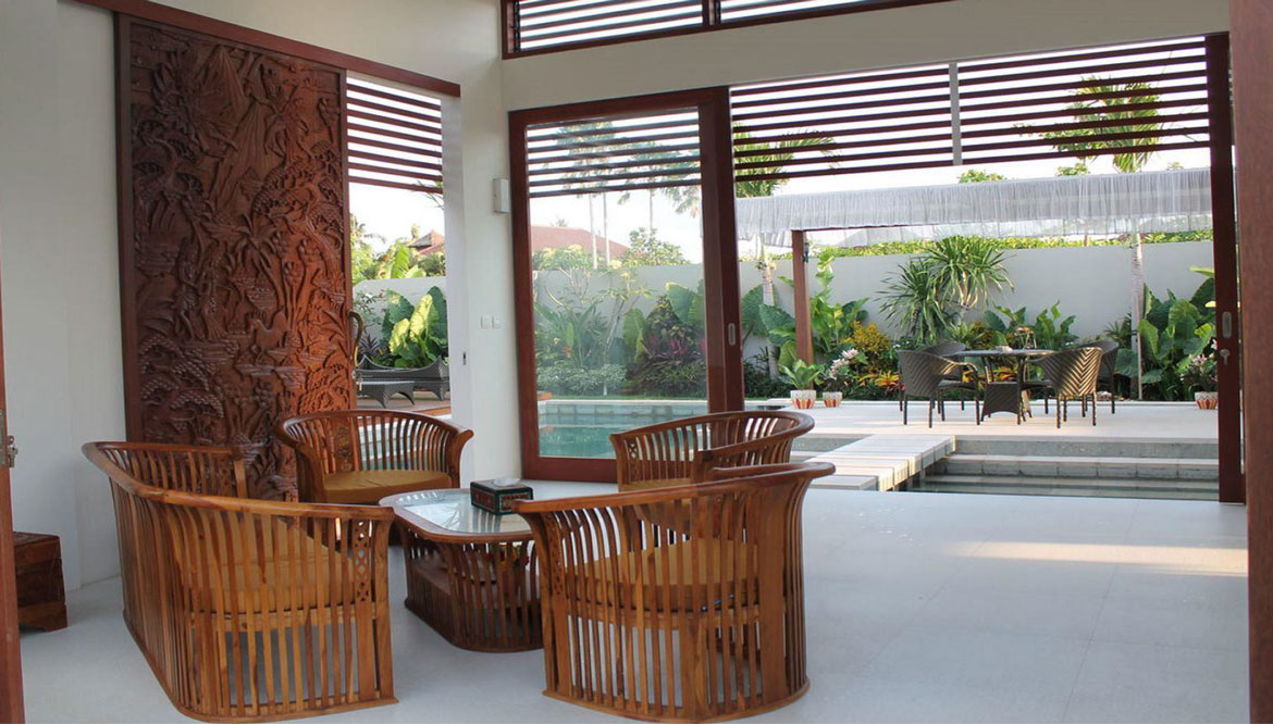 Contemporary Freehold Villa With Potential Rental Income
