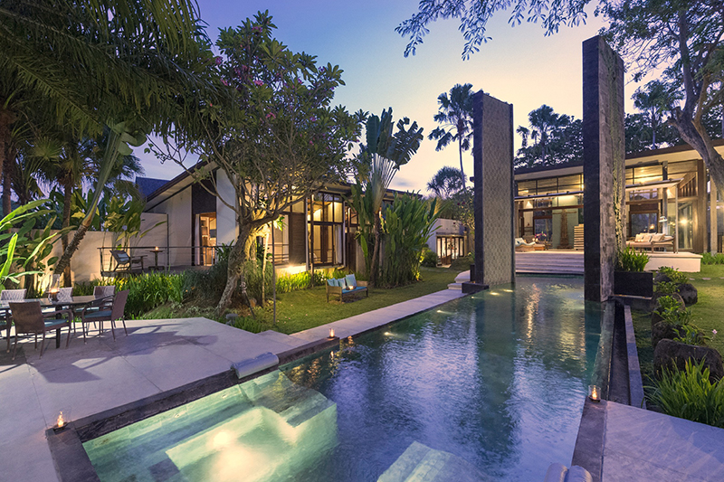 A Luxury Oasis, Close To Beach in Canggu