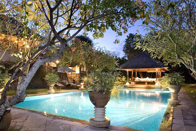 Secluded Villa Complex. Suit Owner/Operator for Private Retreat Business.