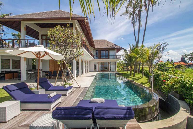 High-Quality Beachfront Villa on Southeast Coast
