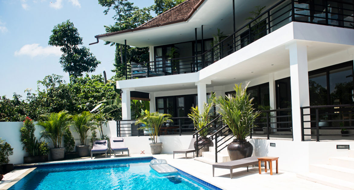 STYLISH FIVE-BEDROOM FREEHOLD VILLA FOR SALE IN CANGGU